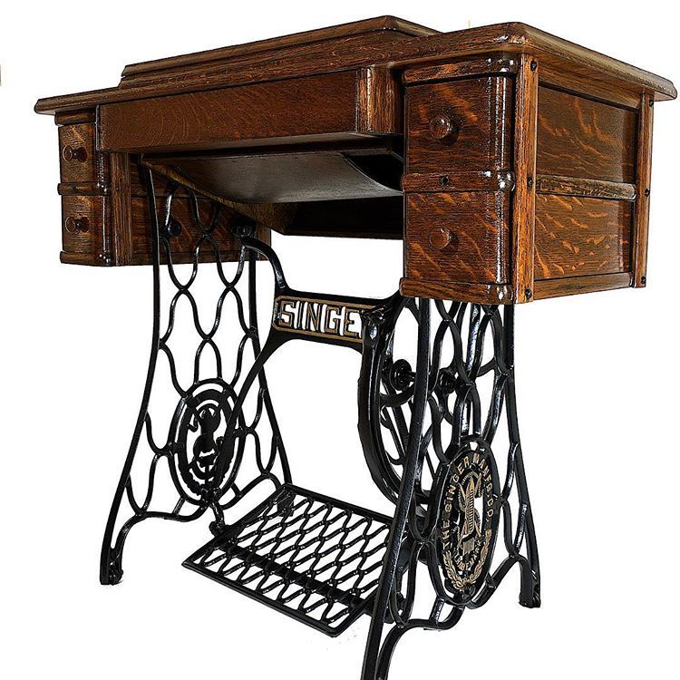 1920s Restored Singer Sewing Machine 5 Drawers Treadle Table With Cast Iron Legs Cast Iron Legs Sewing Machine Singer Sewing Machine