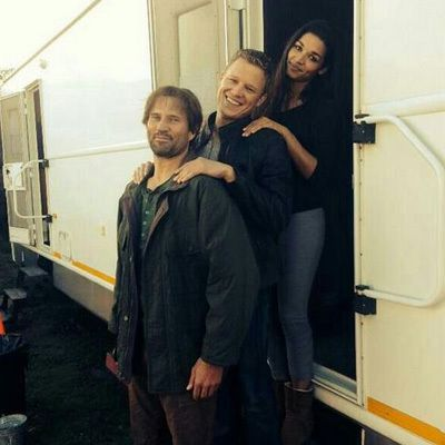 Dominion(SyFy) Cast: Aww, cute behind the scenes picture