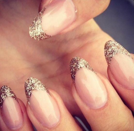 Almond Shaped Nails W Gold Glitter Tips