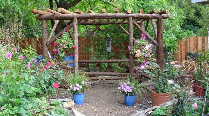 P rgola r stica en un rinc n del jard n lo que adoro jardines r sticos dise o de jardin y - Diseno de jardines rusticos ...