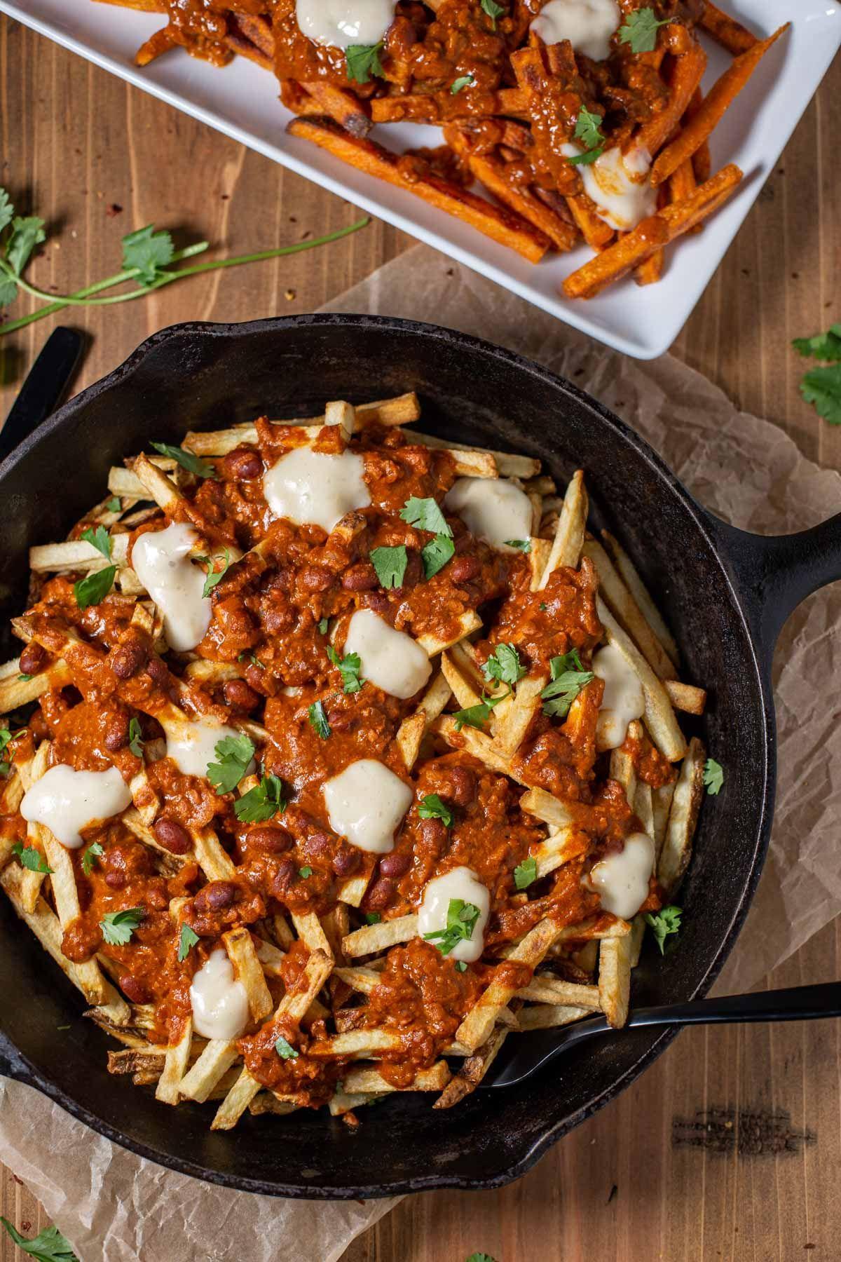 Vegan Poutine With Chorizo Chili Gravy Mn Veg Head Recipe In 2020 Chorizo Chili Chorizo Homemade French Fries