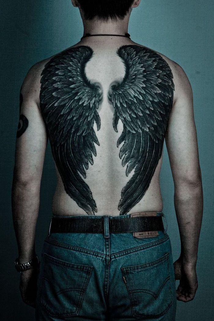 Tatouage Dos Homme Sous Le Signe Du Verso Tattoo Pinterest