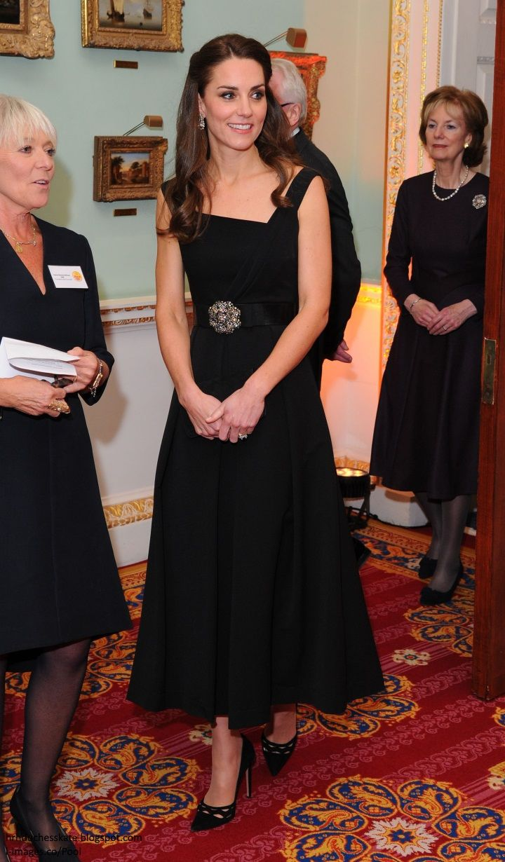 For Her Second Engagement Of The Day The Duchess Of Cambridge Attended The Place2be Awards At Mansion Kate Middleton Style Duchess Kate Kate Middleton Outfits