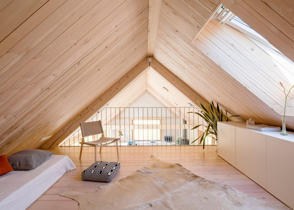 MNy Arkitekter uses multiple timber finishes for Finnish lak…