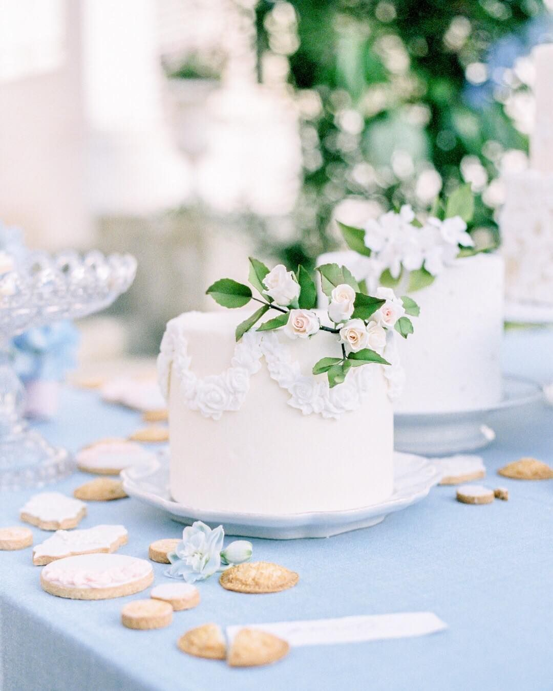 Fine Art Wedding Cake Wedding Cake Table Simple Wedding Cake