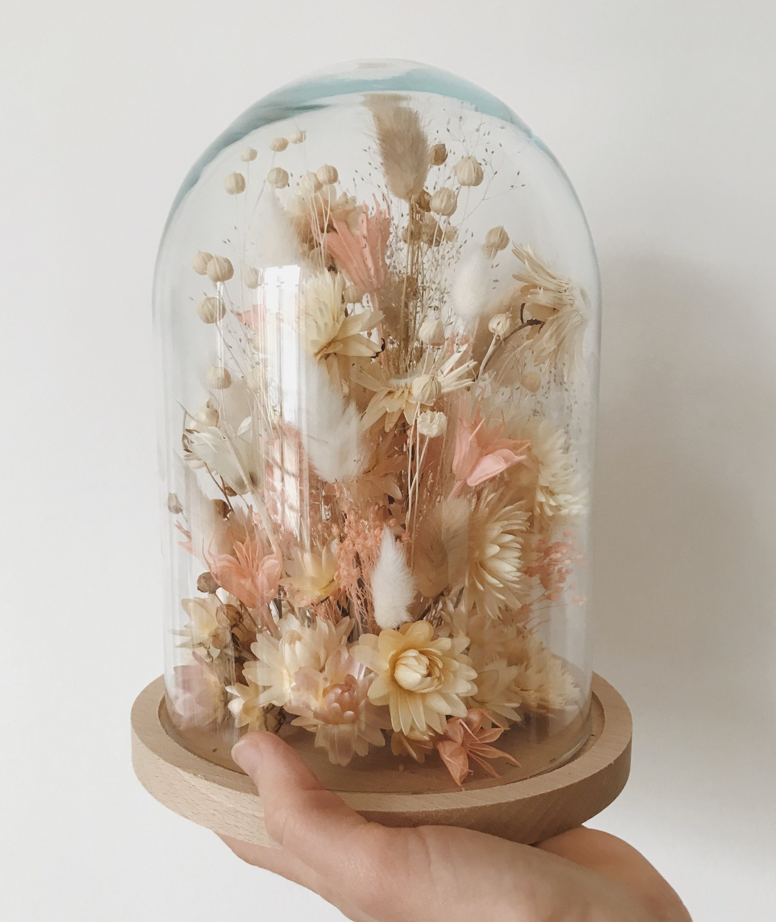 10 Creative Ways to Preserve Your Wedding Flowers