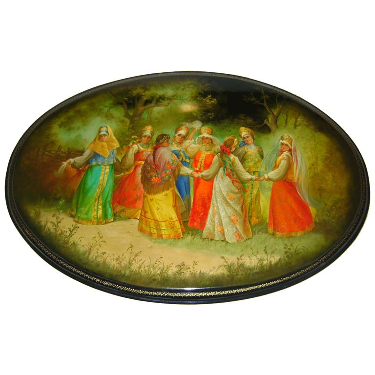 russian lacquer jewelry | Superb Russian lacquer oval plaque-delicate workmanship