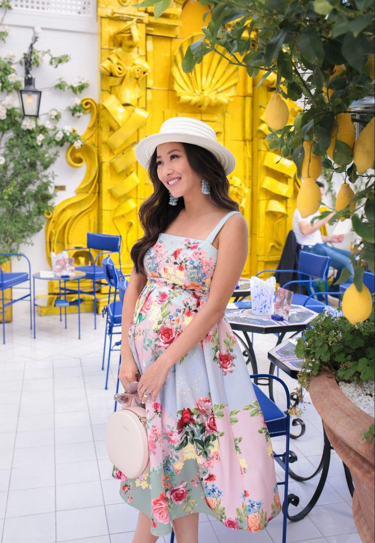 2e8571bb720a8 stylish maternity dress for baby shower second trimester pregnancy outfits