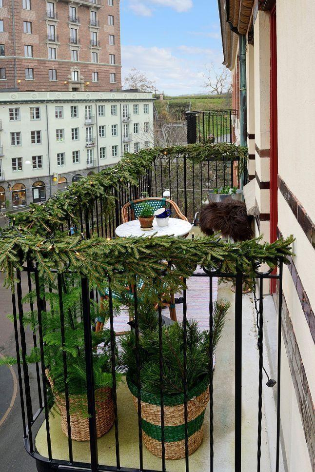 41 popular apartment balcony for christmas décor ideas winter balcony christmas interiors on christmas balcony decorations apartment patio id=47191