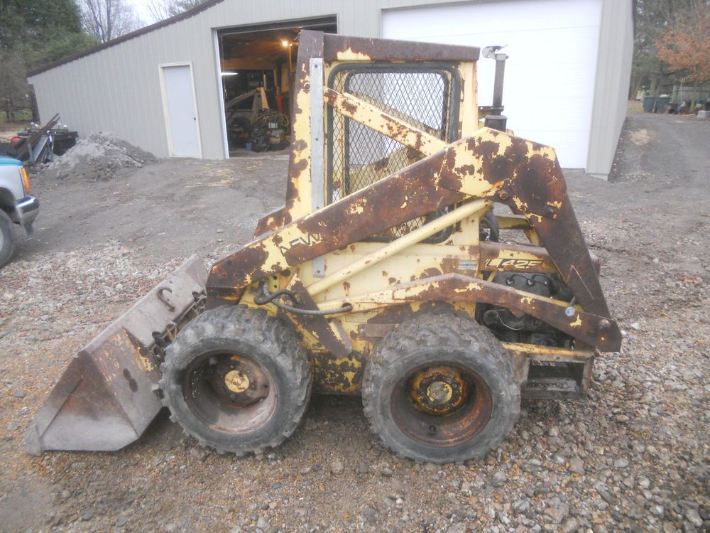 New Holland L 425 Skid Steer With Bucket Forks Runs And Operates Excellent New Holland Skid Steer New Holland Skid Steer Loader
