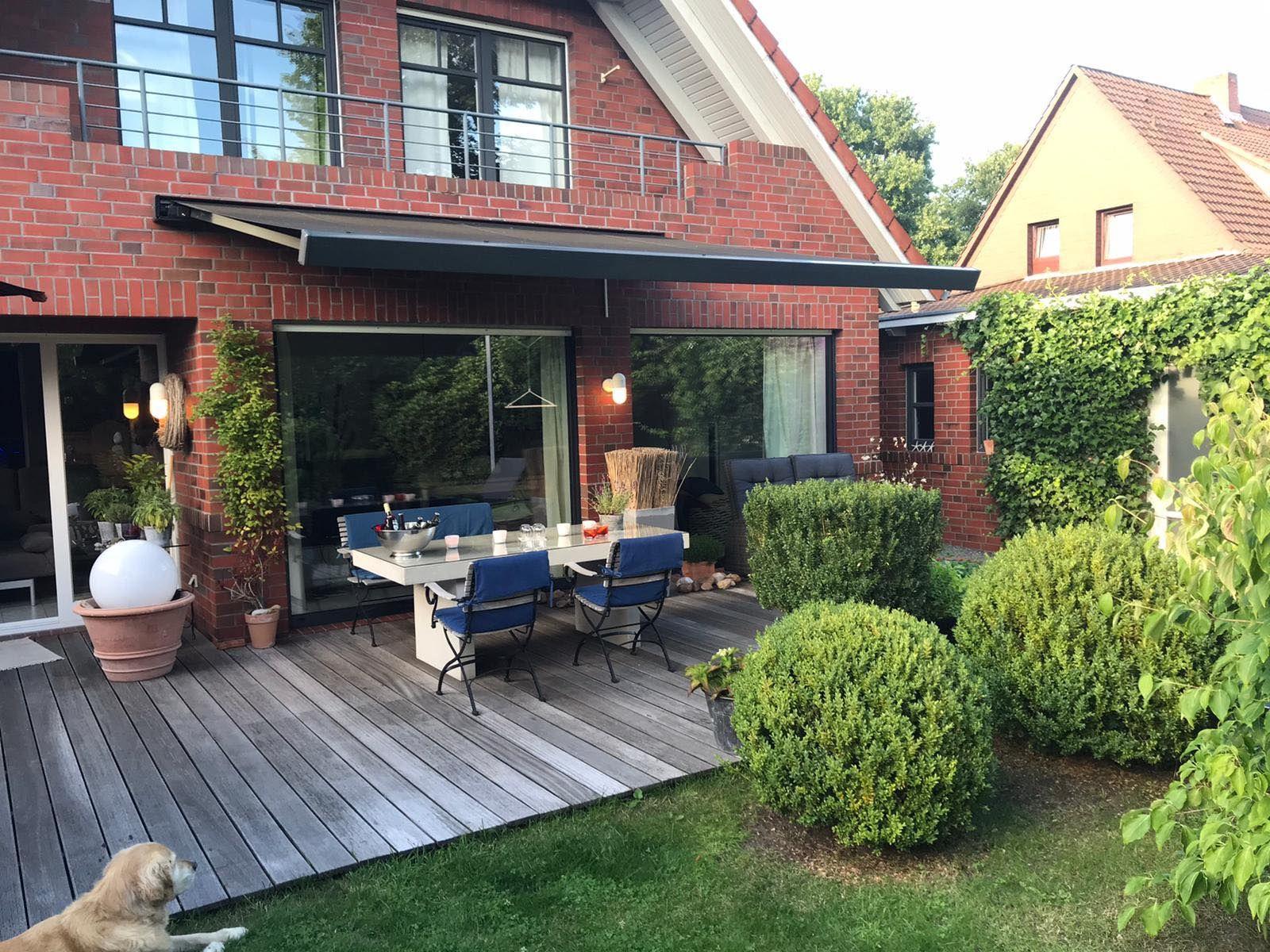 Terrasse Mit Markise Zum Abendessen Glasbau Markise Montieren Markise