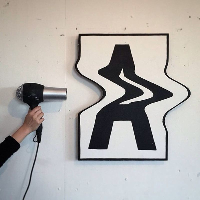 2D letters bent into the 3D dimension by this creative artist #3dtypography