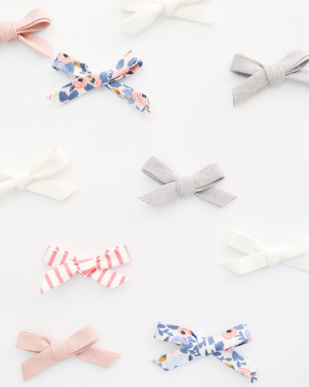 2 Minute Simple No-Sew Hair Bow Headbands #babyheadbands