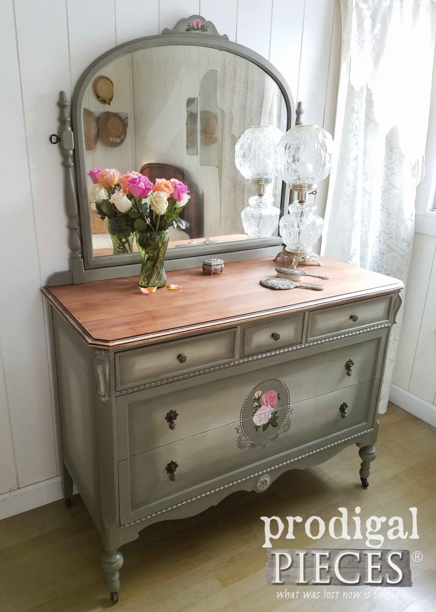 Antique dresser given time worn love modelos pinteres for Muebles antiguos reciclados