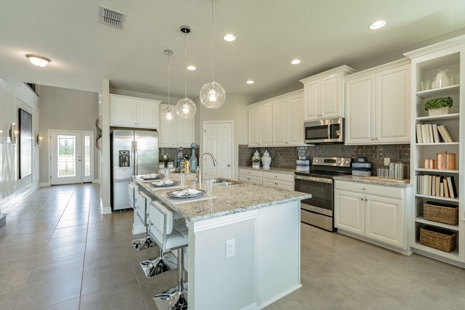 Mi Homes Model Home At Epperson Ranch Wesley Chapel Tampa Fl Dali Smartstyle Plan Home Kitchens Kitchen Design Home