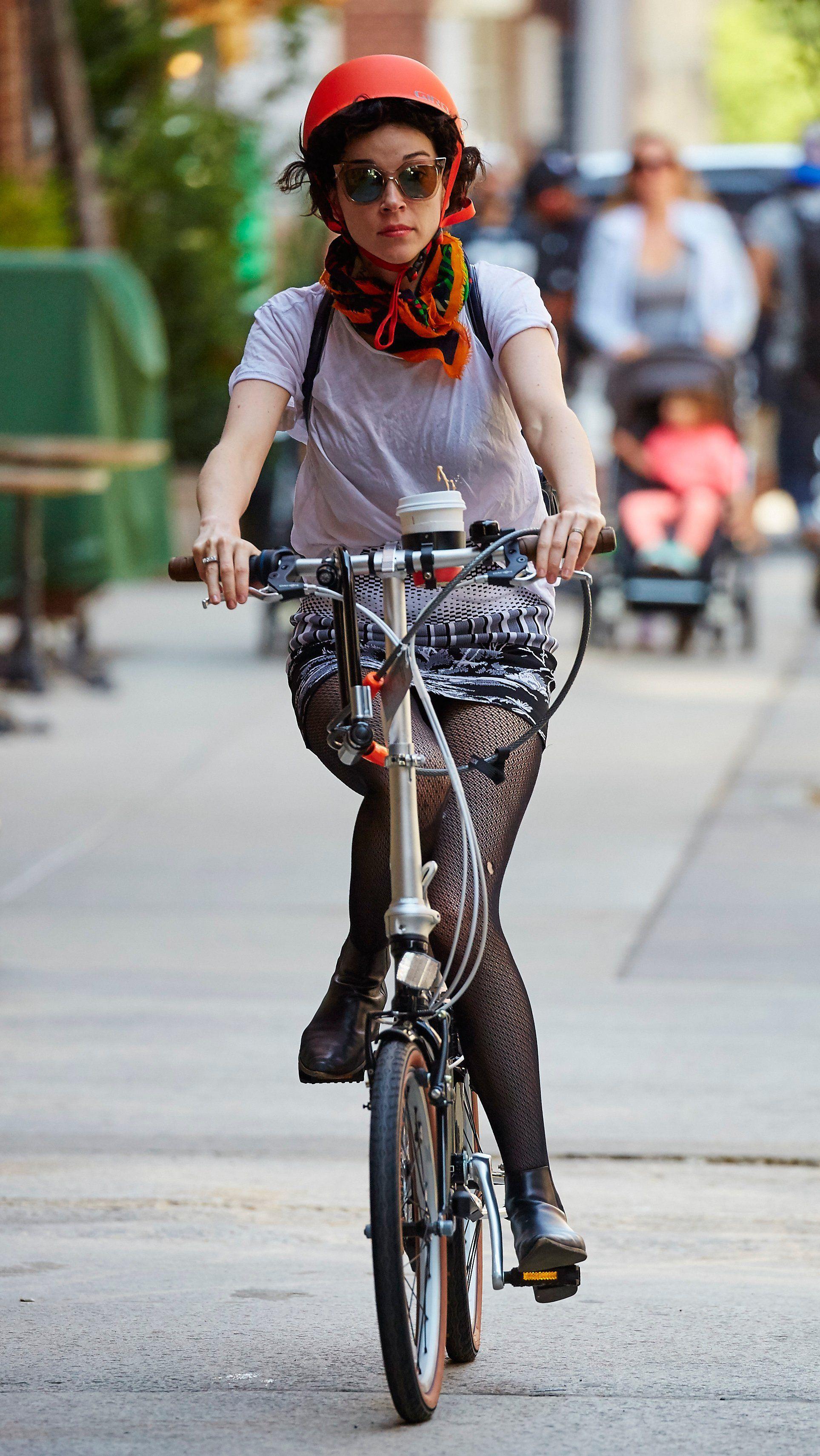 St Vincent Bicycling Celebrities Bike Bike Style