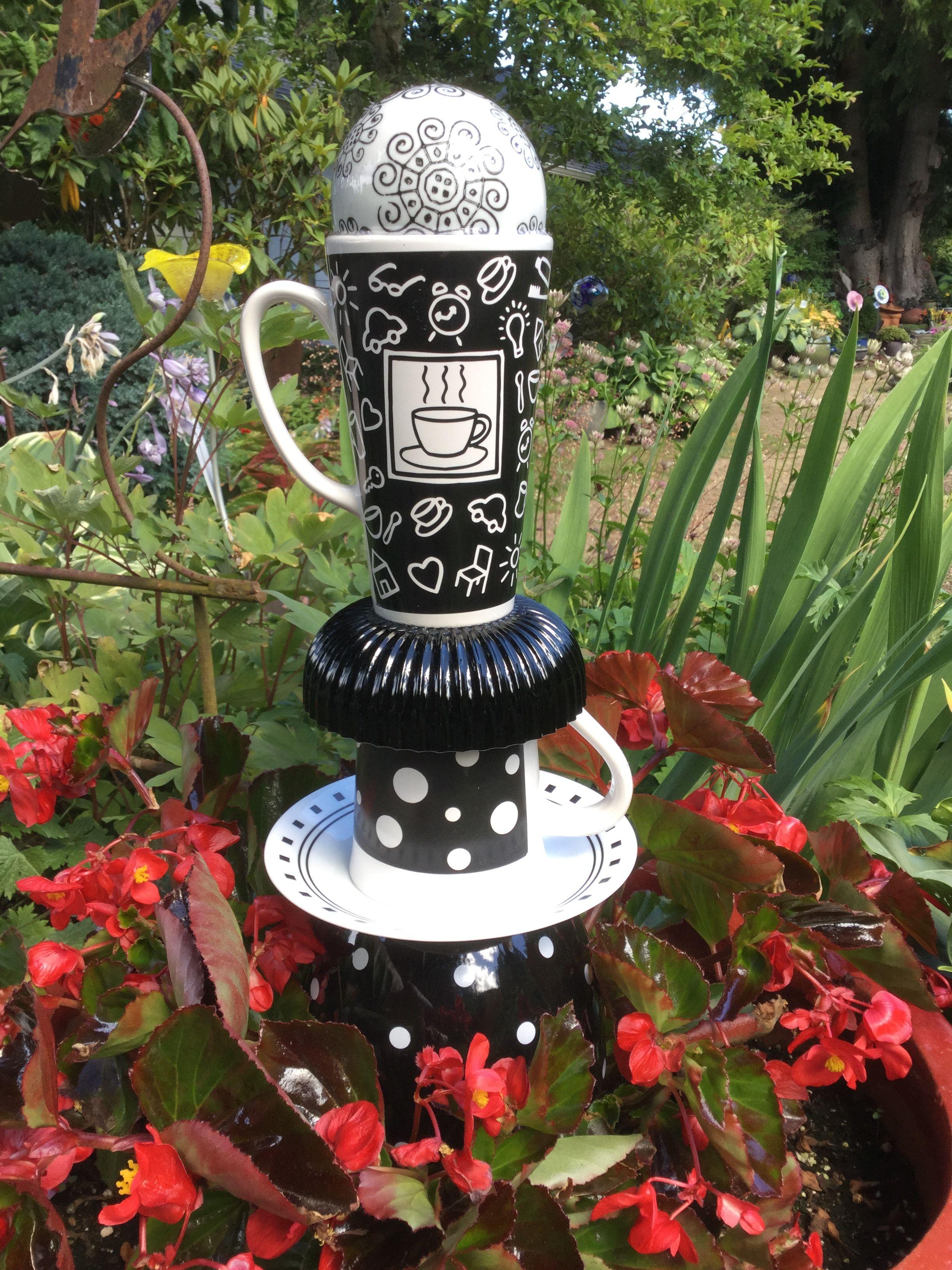 Glass yard art  Pin by Linda Cowan on My Glass Garden Creations  Pinterest  Diy