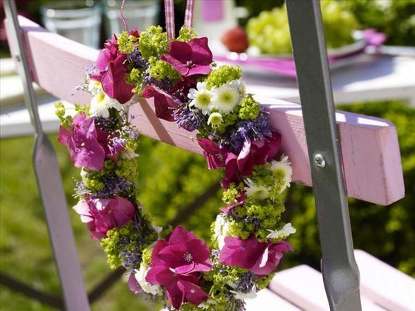 Sedie Matrimonio ~ Corone fiorite per sedie matrimonio decorare le sedie del