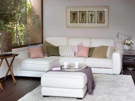 sof con chaise longue para salones pequeos