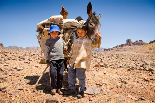 Ait Atta children || Morocco || North Africa || © Simon Grosset