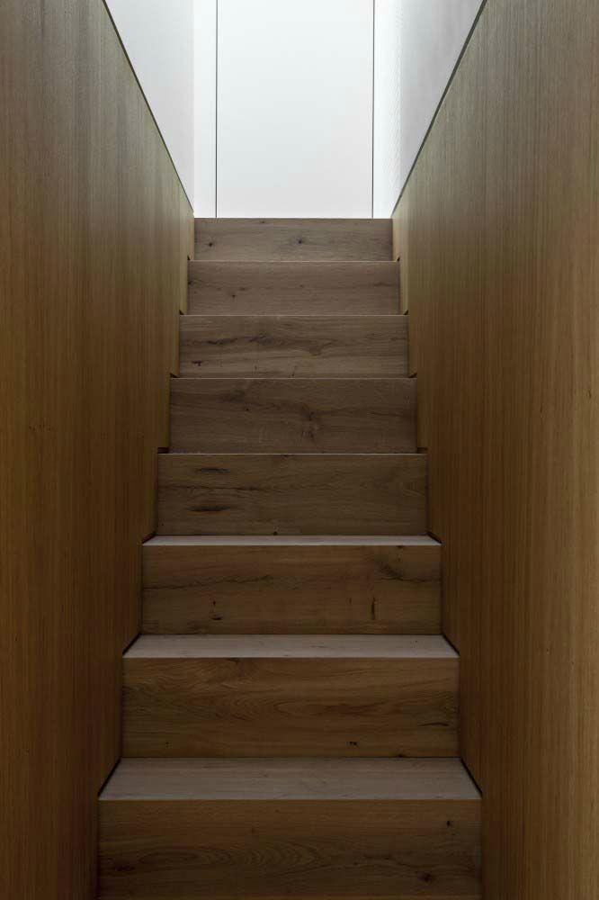 wood stairs Minimalist Central London Flat Pinterest - exklusives treppen design