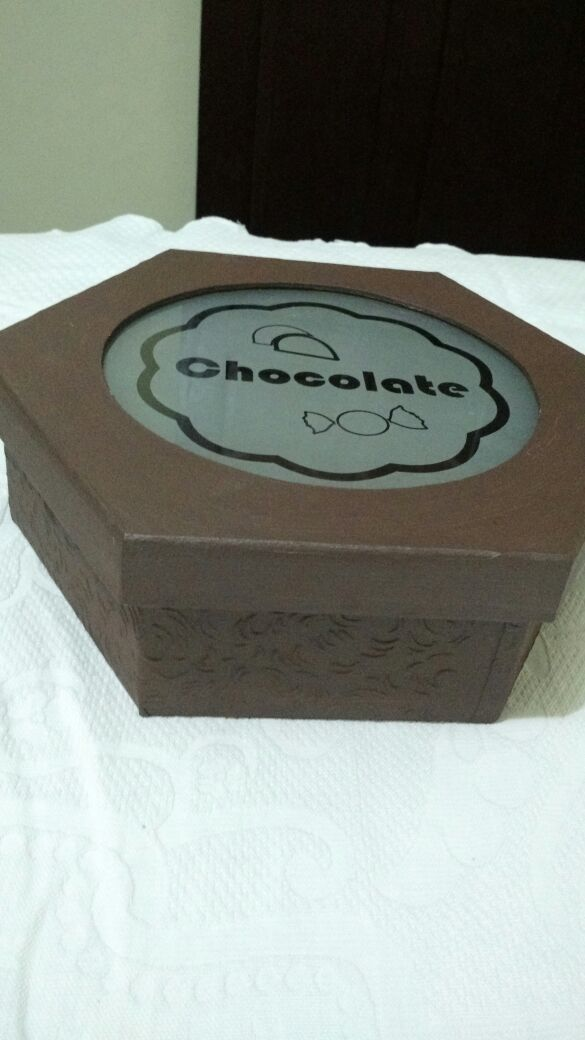 Caixa de chocolate em MDF