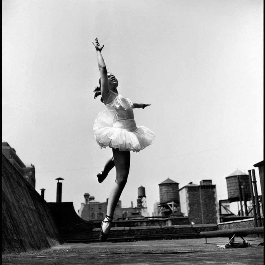 "Simple is Beautiful on Instagram: ""photo by Elliott Erwitt #elliotterwitt #ballet #ballerina #dance #photography #art #fineart #photographyart #photoart #artist…"""