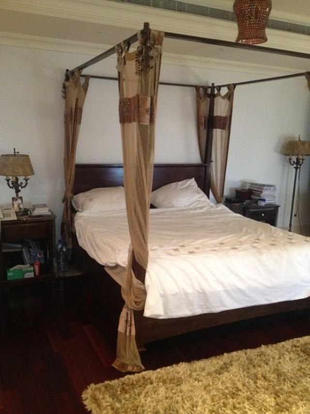 4000 Aed Lovely 4 Poster Bed And Bedside Tables Bed Sets For Sale Bedding Sets Bed