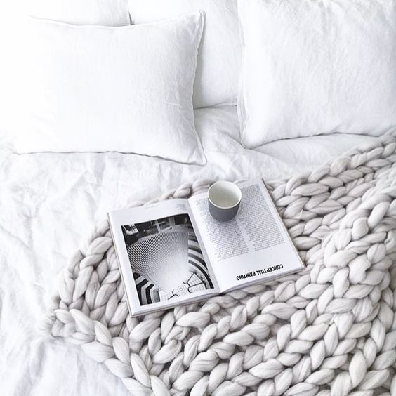 Knitted blanket - a winter must have