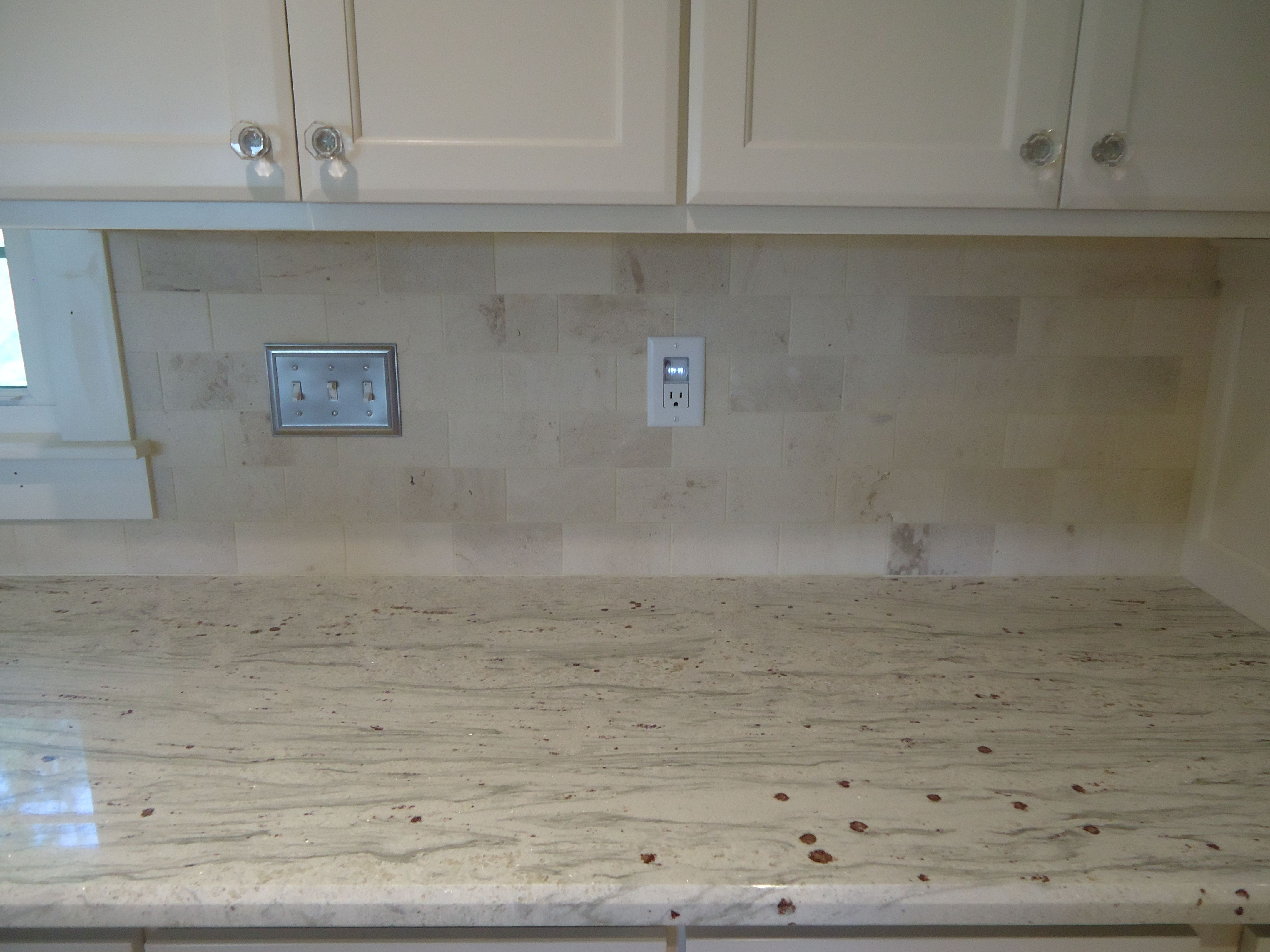 Backsplash Limestone Subway Tile Would Nice With A Strip Of Sea Gl Color Tiles Inset