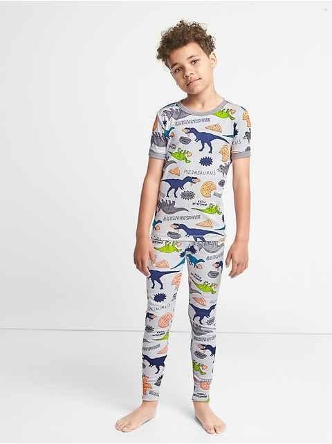 junge teen necken schlafanzug