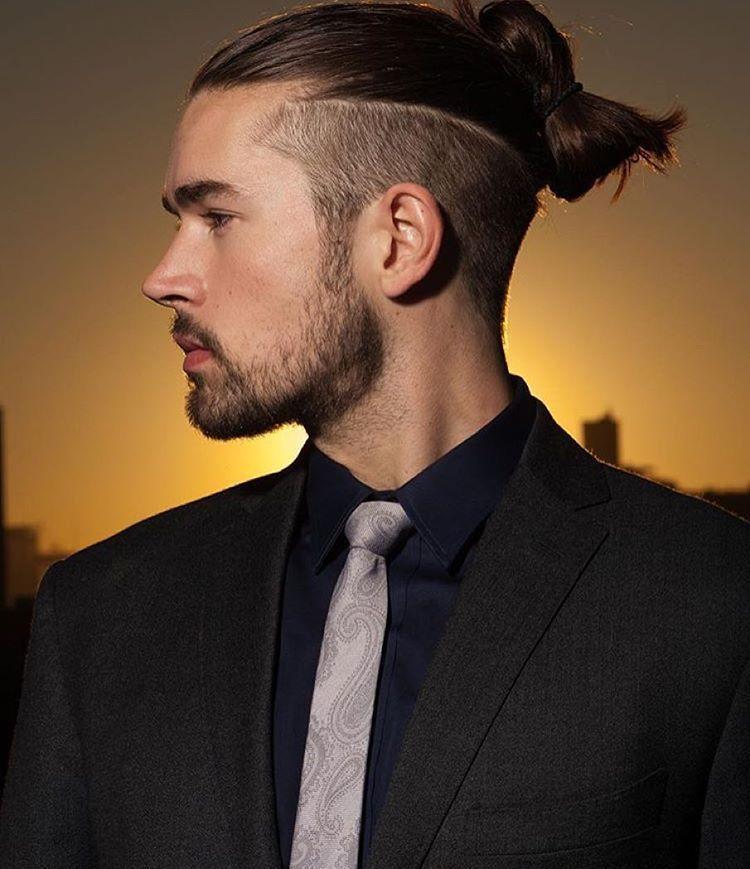 Undercut Manner Dutt Oberkopf Deckhaare Lang Bart Anzug Hemd Krawatte Seiten Hinterkopf Kurz Lange Haare Manner Haare Manner Mannerhaar