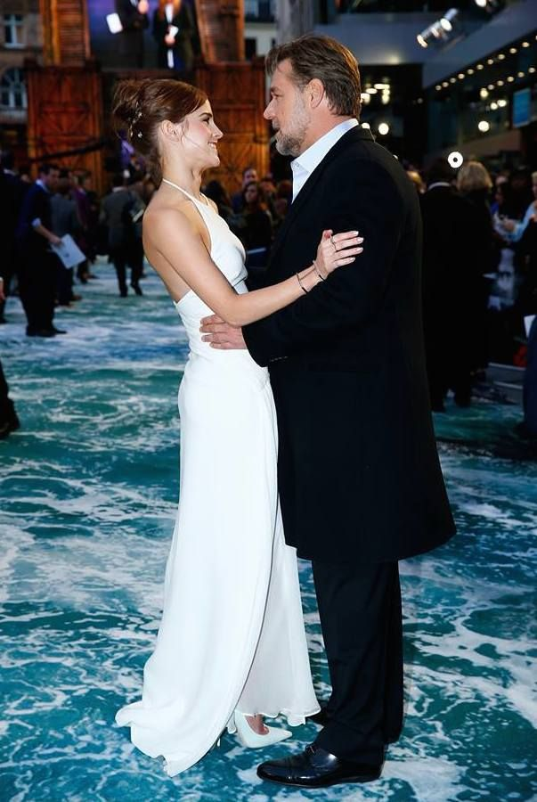 Emma Watson And Russell Crowe They Are Too Cute Here Emma Watson Actresses Emma Watson Daily