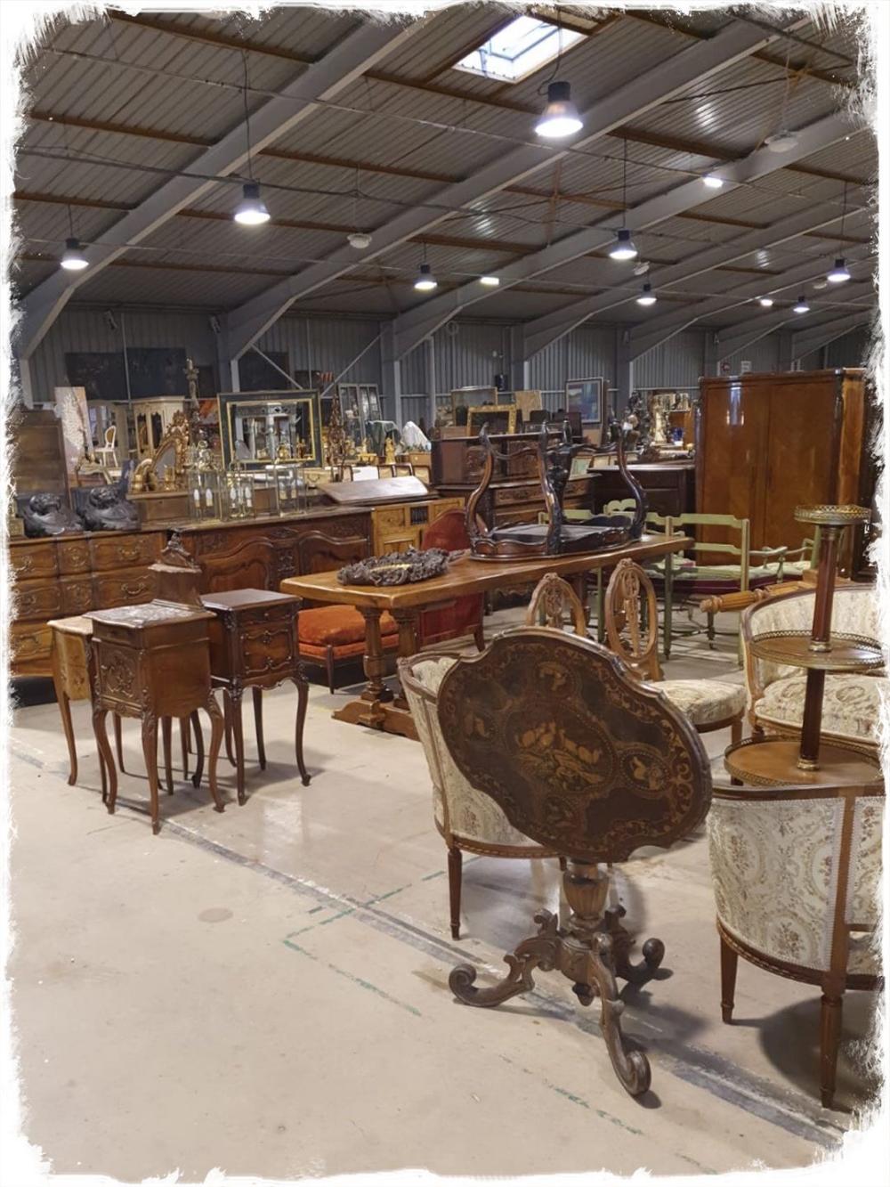 Nouveautes Antiquaire Brocanteur Vosges Meubles Napoli Antic In 2020 Furniture Restoration Table What About Tomorrow