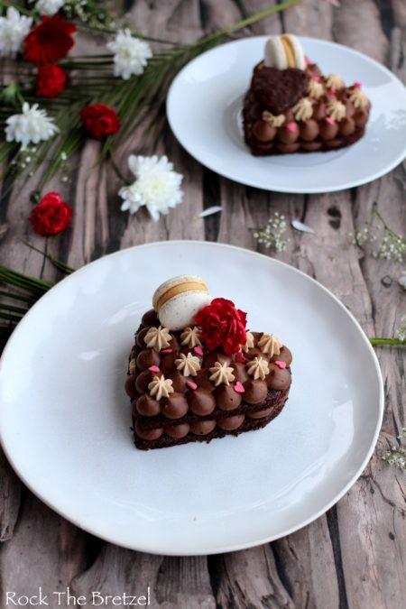Dacquoise Herz mit Schokolade und Carambar Ganache – Rock the Bretzel  – ➤ Recettes | Saint-Valentin