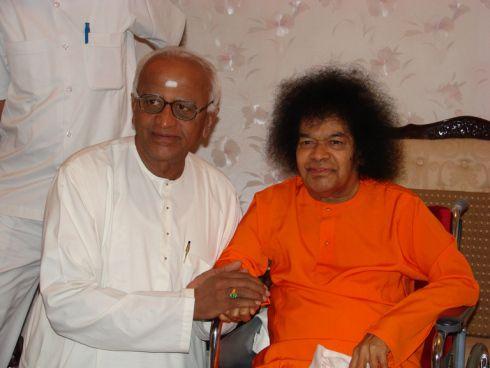 Sai Baba em Forma Sutil: Abram Seus Corações para Experimentarem a Divindade