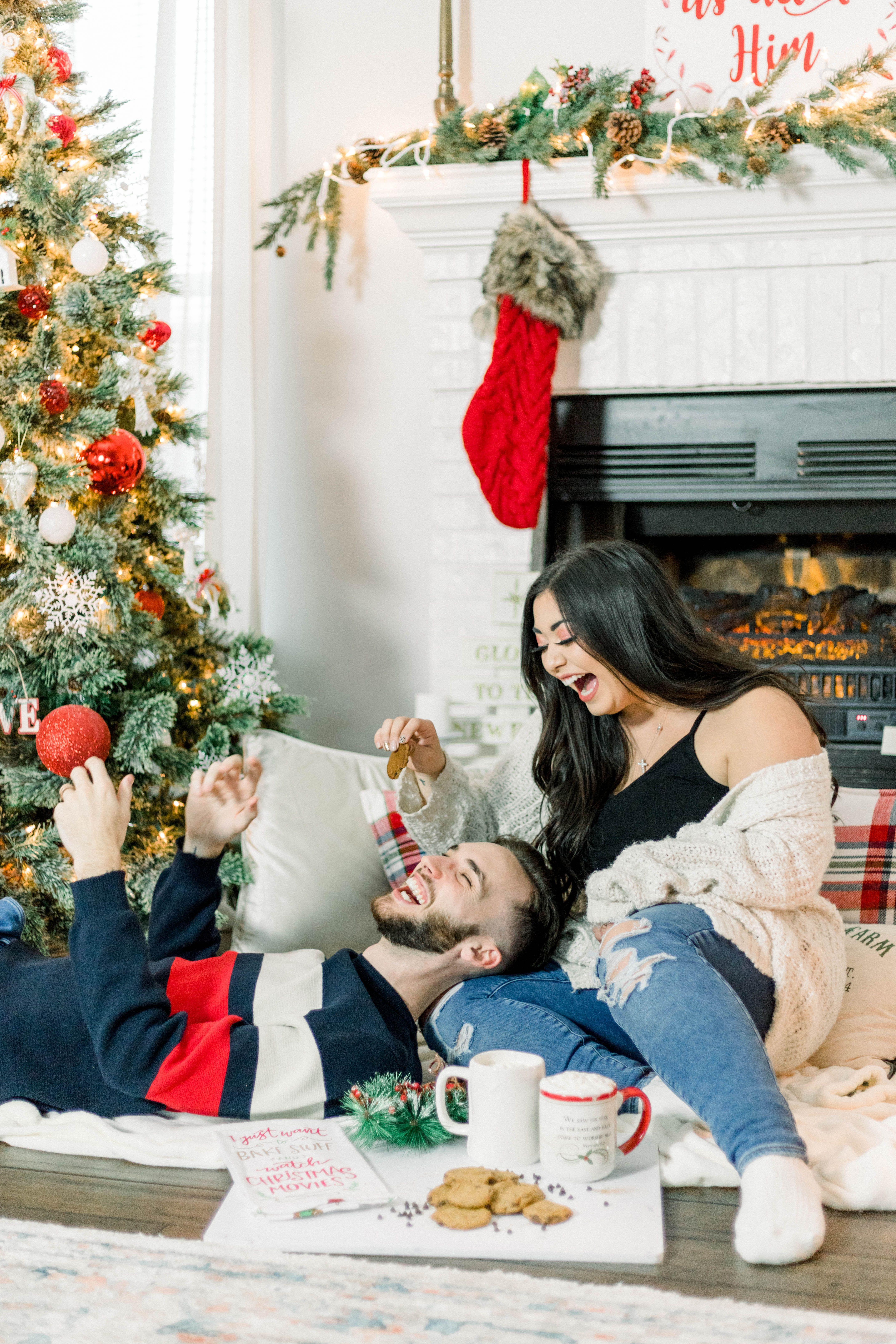 Christmas Christmas Couple Photos Christmas Date Inexpensive Christmas