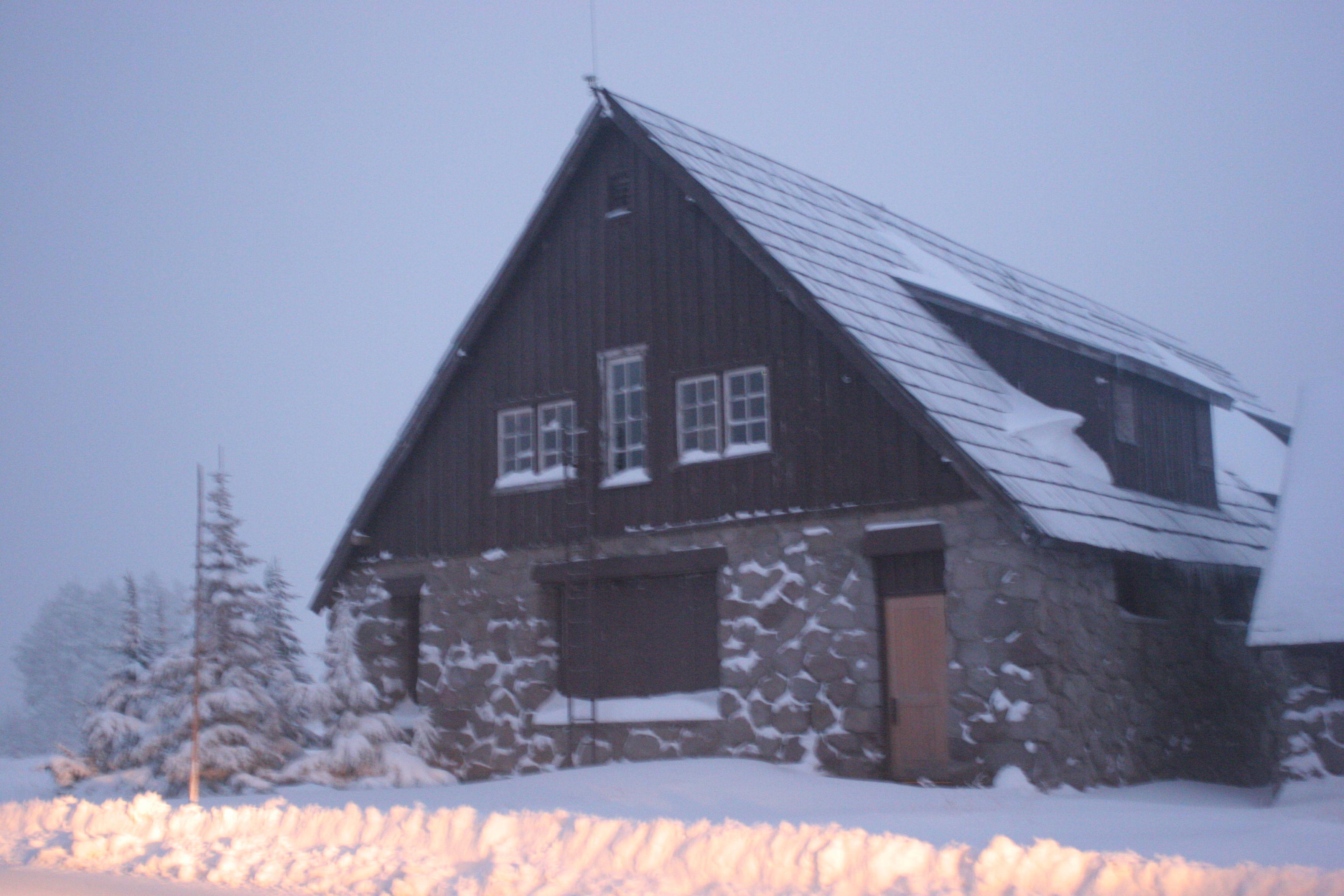 Crater Lake lodge ... off-season