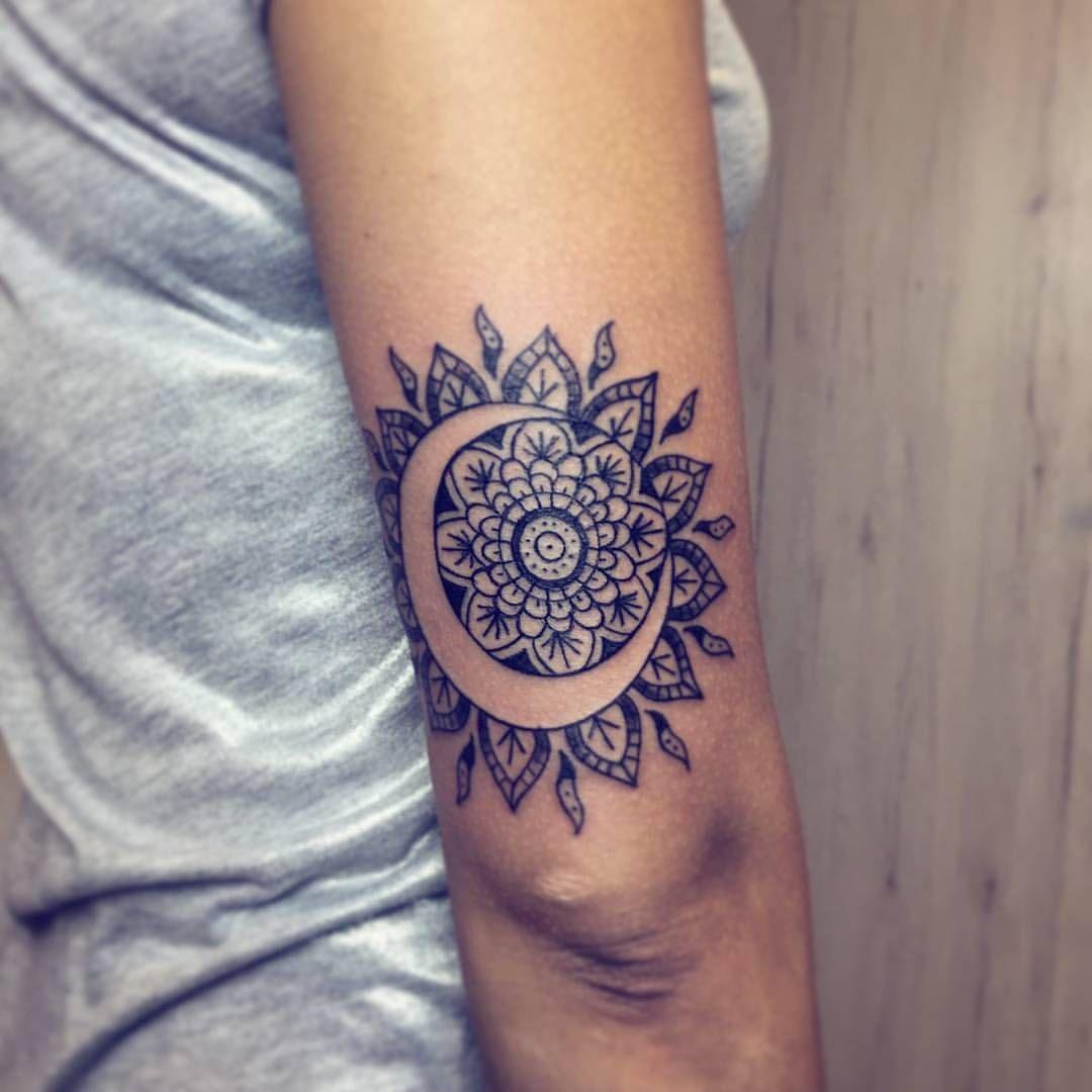 Sun Moon Henna Tattoo Tattoos And Piercings Tatuagem Tatuagem