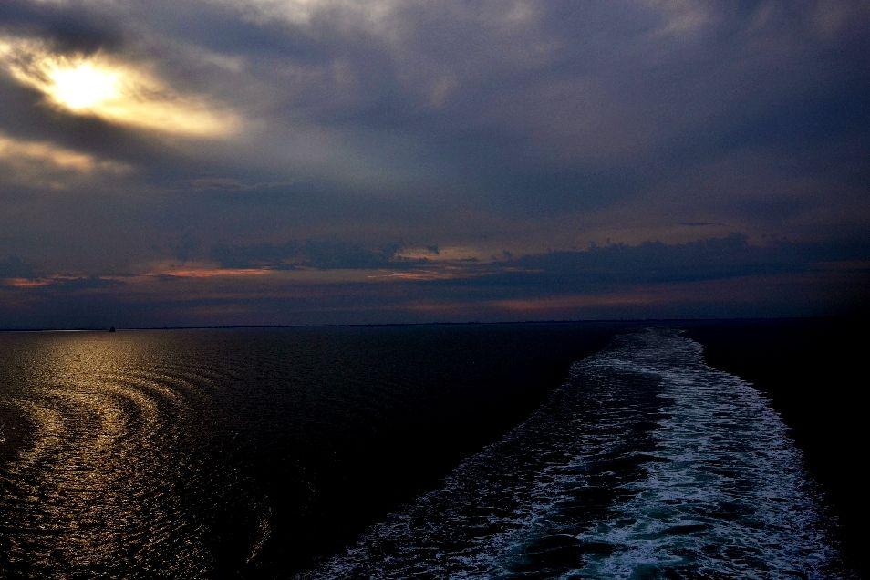 Mare luce tramonto bellezza natura