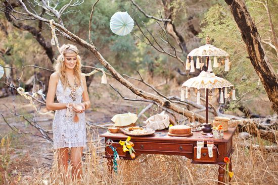 Love this Beach Bohemian Wedding Inspiration. Tons are great ideas on this one.