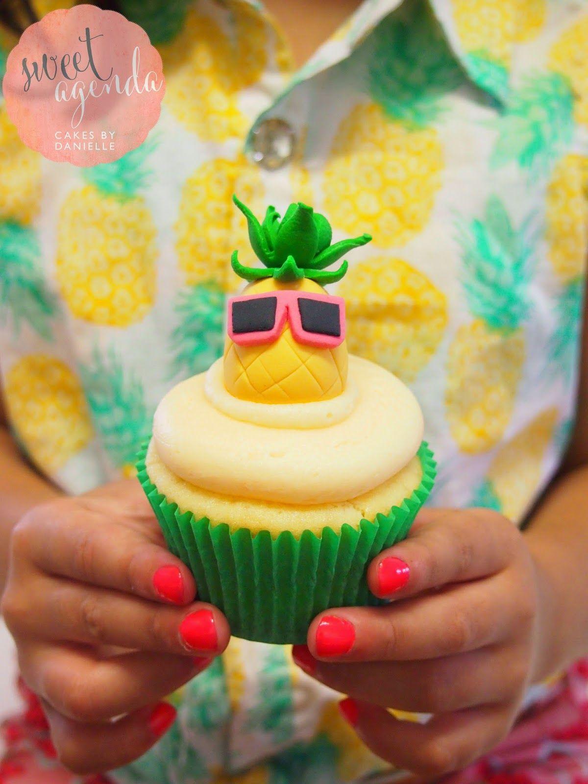 Hawaiian Themed :: Dessert Table! Luau Party Pineapple ...