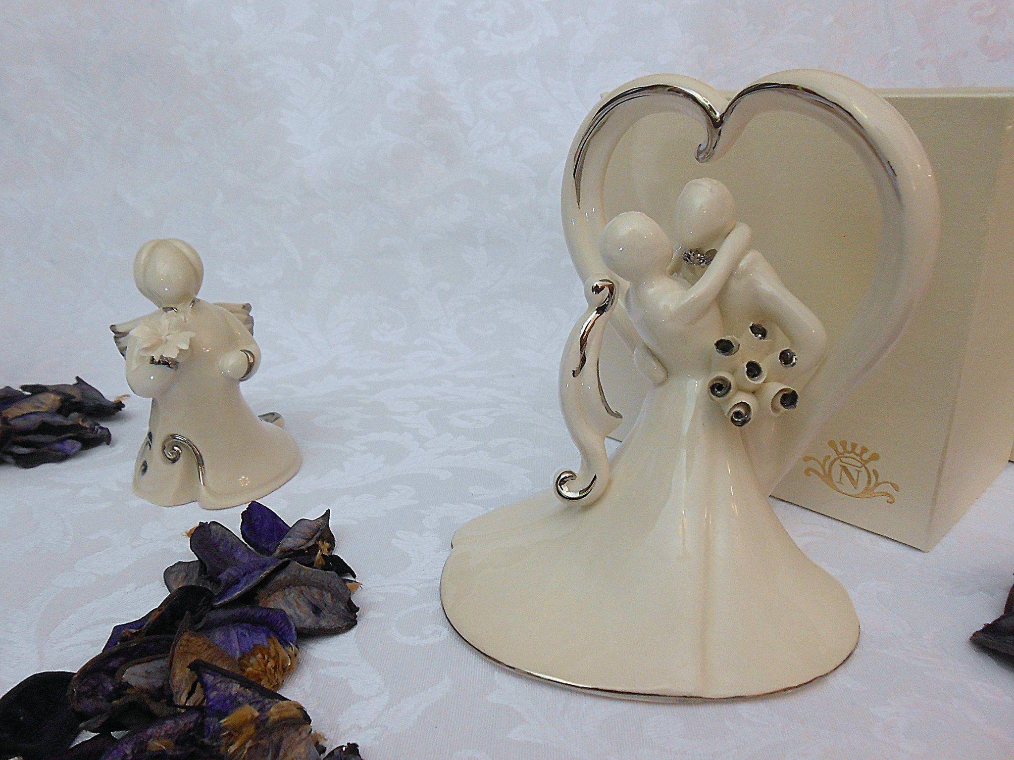 Bomboniere Capodimonte Matrimonio.Coppia Di Sposi Bomboniera In Porcellana Creazioni Esclusive In