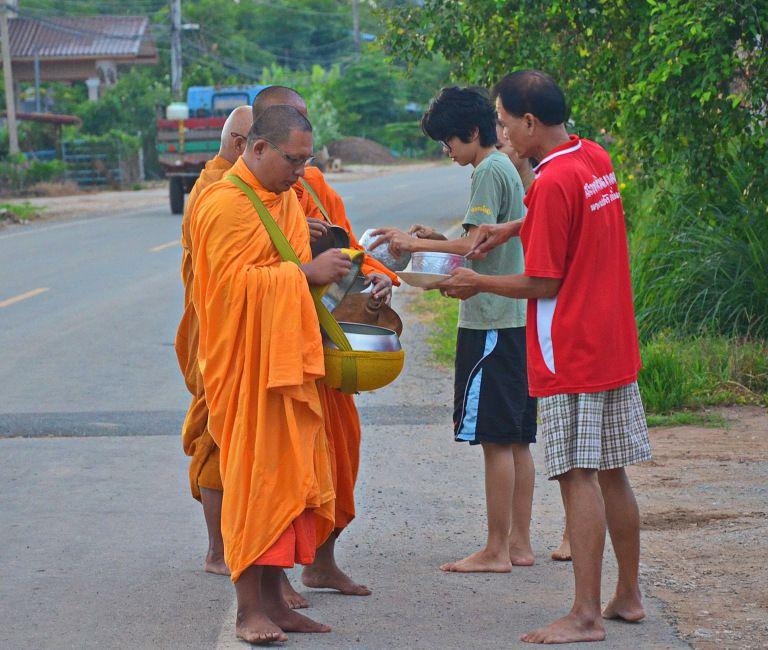 Buddhist Monk Why Thai Men Periodically Monks