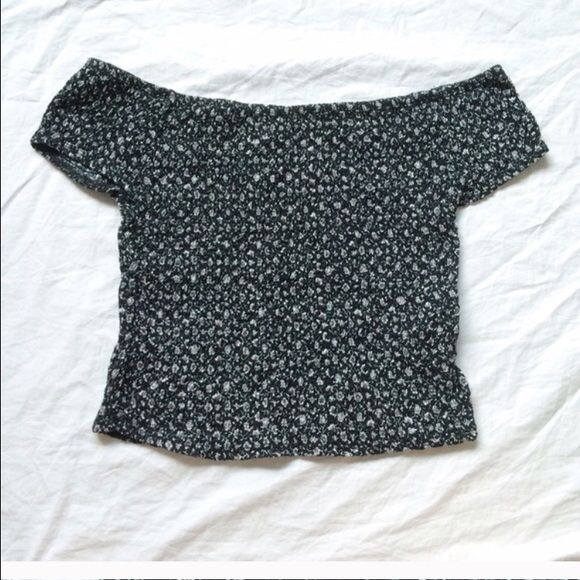 Brandy Melville Floral Off Shoulder Top Worn and washed once super cute Brandy Melville Tops Crop Tops