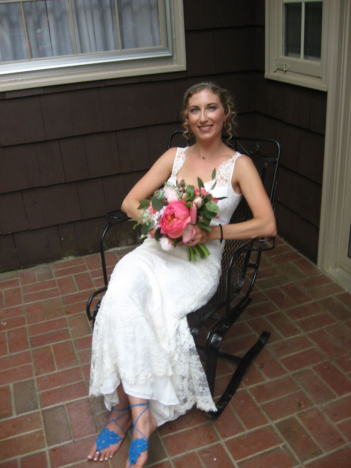 A beautiful and very relaxed bride. The bride started her