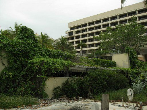 Sonesta Beach Hotel In Key Biscayne Fl The Owners Wanted To Turn Into Condos 2005 Reality Was It Ended Up Closing Down Instead