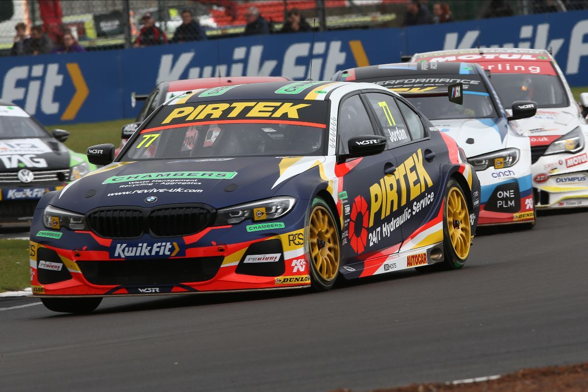 Andrew Jordan banks crucial points at Silverstone in race