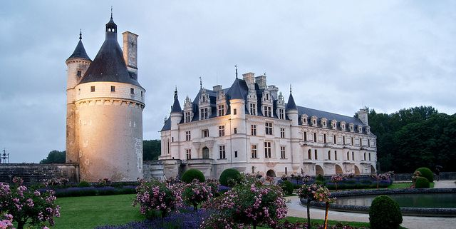 Chenonceau at twilight by AAAndrew, via Flickr