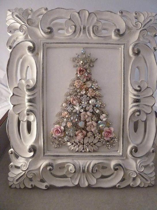99 Inspiring White Vintage Christmas Decoration Ideas - 99BESTDECOR